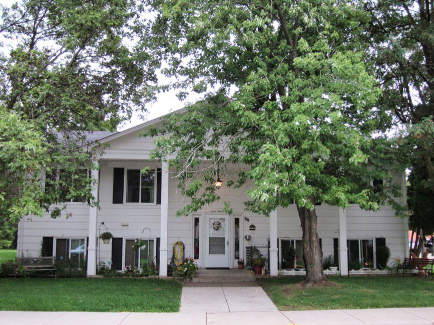 Hinckley Manor Building