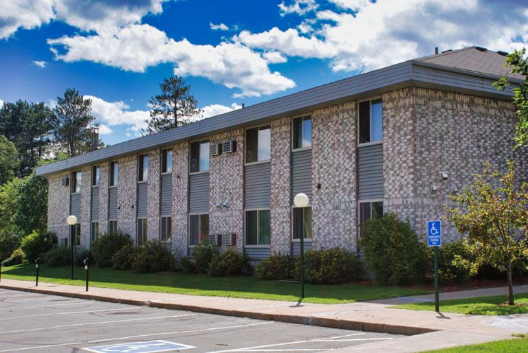 Pine River Square Apartments
